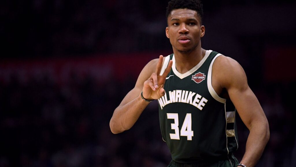 Report: Giannis Antetokounmpo to sign 5-year, $228.2 ...